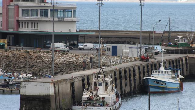 les-travaux-portuaires-ont-demarre-au-rosmeur